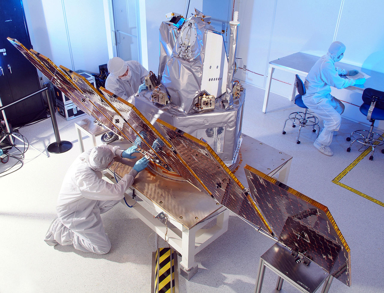 1280px AIM in clean room E1 - Our Projects