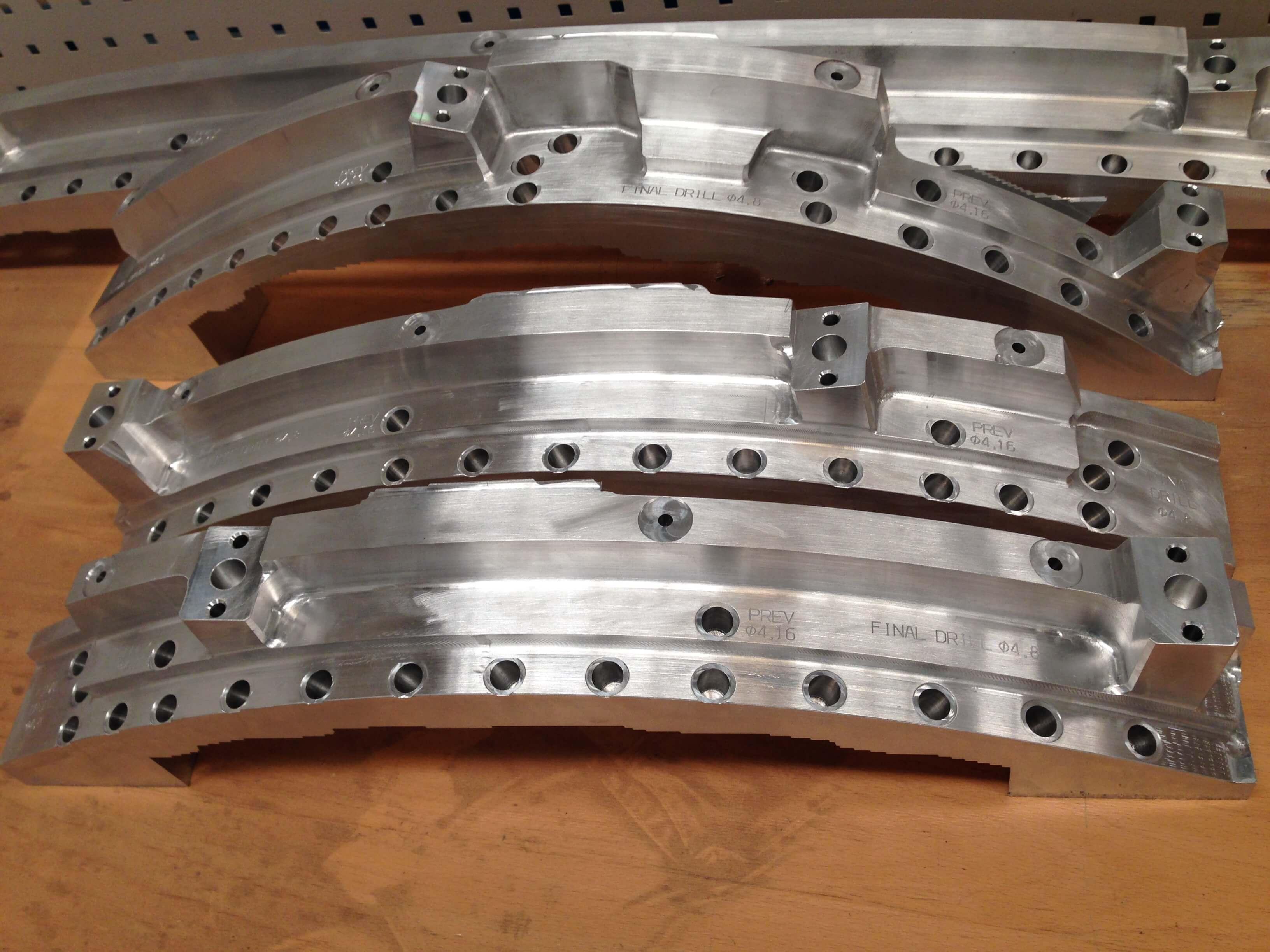IMG 1651 - Plantillas de montaje y taladrado
