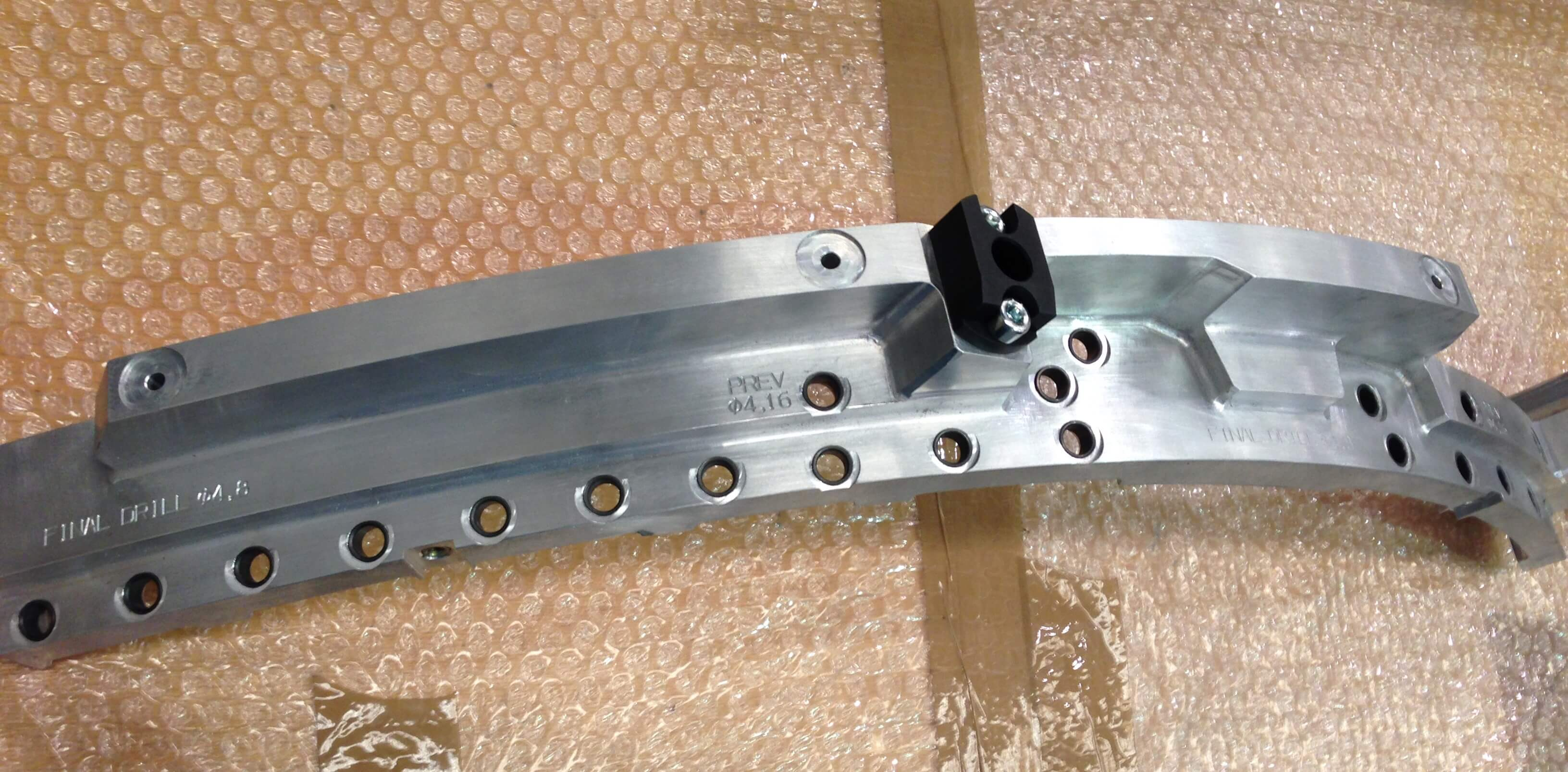 IMG 1700 - Plantillas de montaje y taladrado