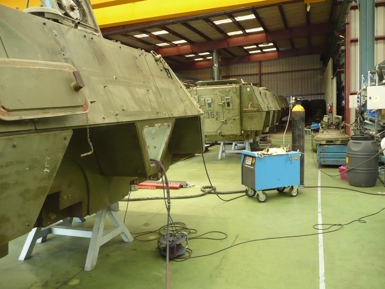 P1000790 - Reparaciones de soldadura y vehículos militares