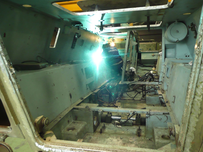 P1000794 - Reparaciones de soldadura y vehículos militares