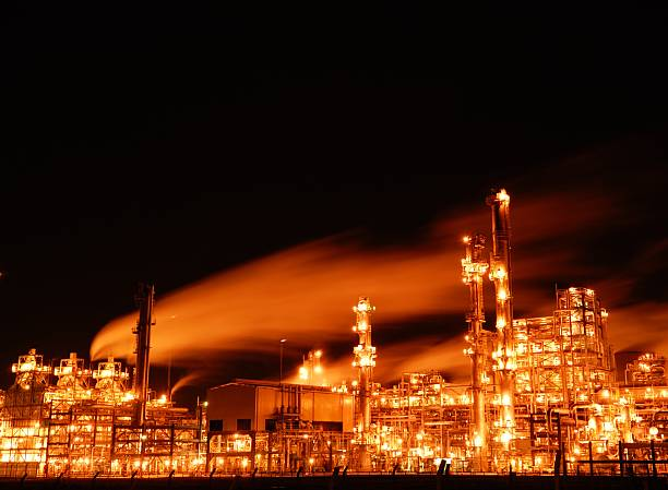 grangemouth refinery at night picture id108178281 - Pethrochemical Industry